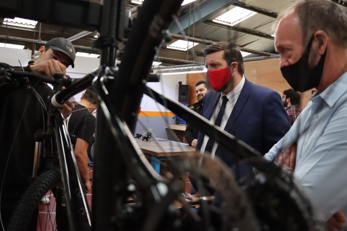 Minister for Youth Employment and Training Jamie Hepburn visits Venture Trust